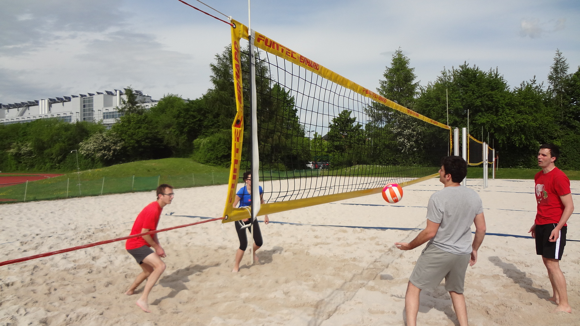 Playing beachvolleyball at the sportscenter